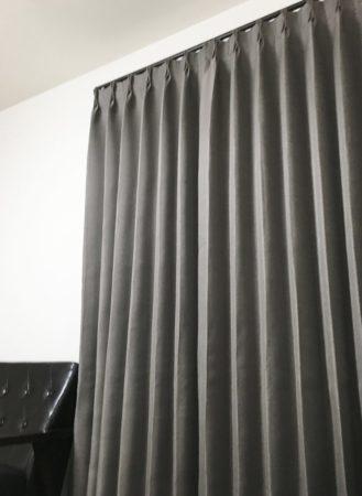 ブラックカーテン